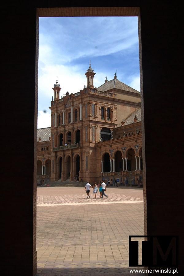 Główny budynek Plaza de España