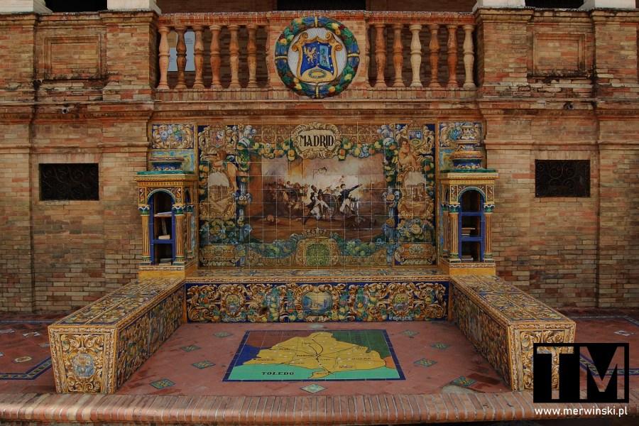 Azulejo na terenie Plaza de España