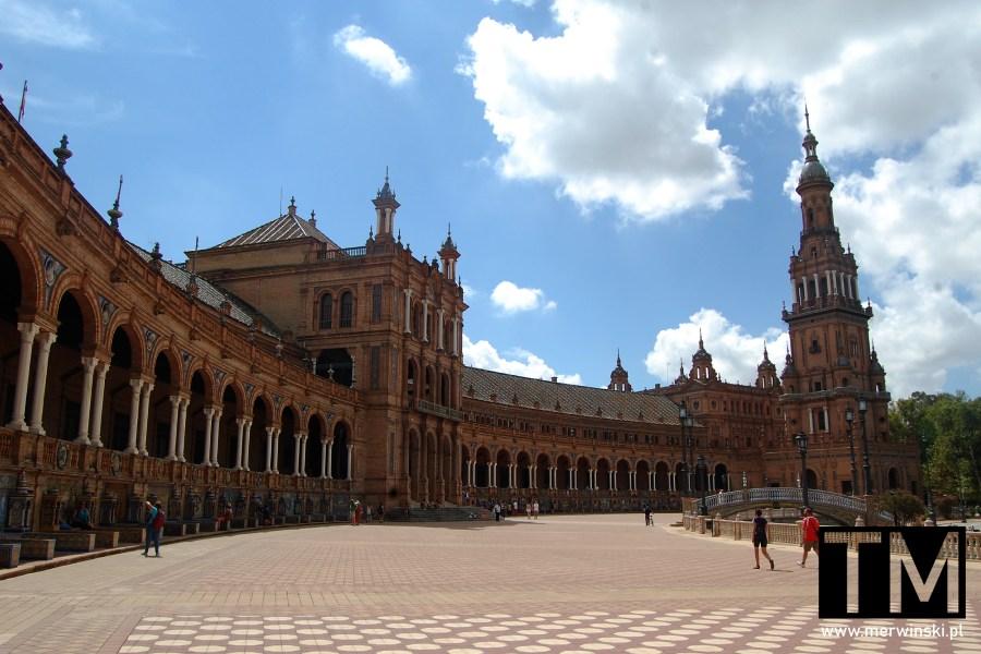 Plaza de España i jej wieża