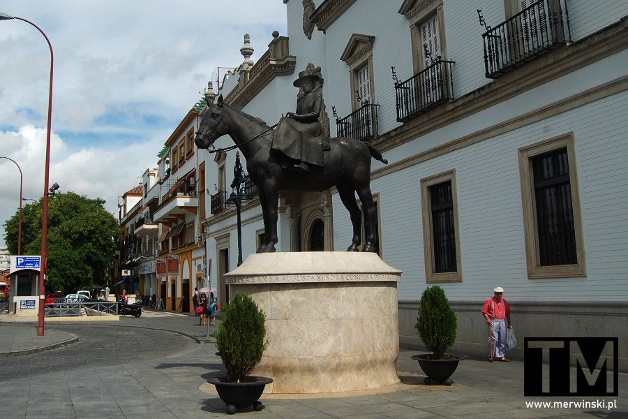 Pomnik Marii Mercedes Burbon-Sycylijskiej w Sewilli