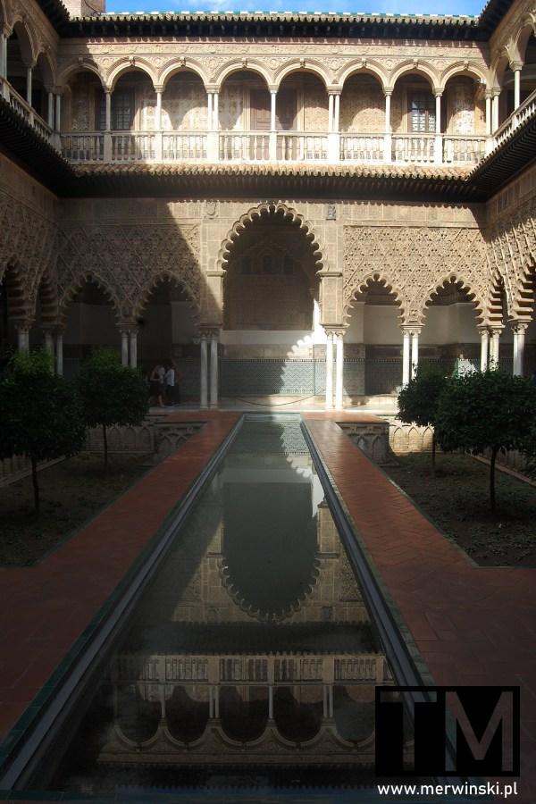 Jeden z dziedzińców Real Alcázar