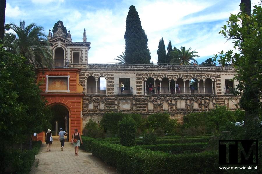 Mury ogrodów królewskich Real Alcázar w Sewilli