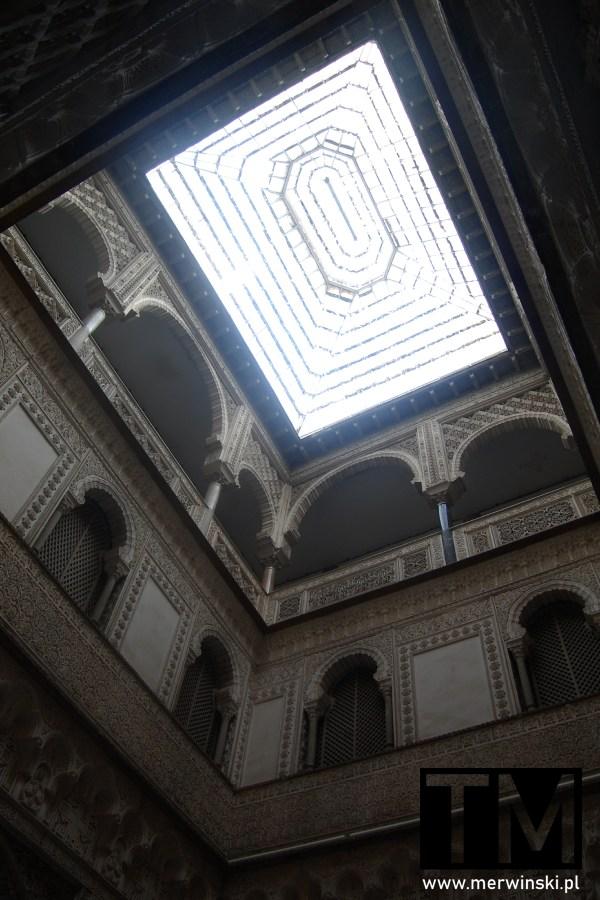 Przeszklony dach w Real Alcázar