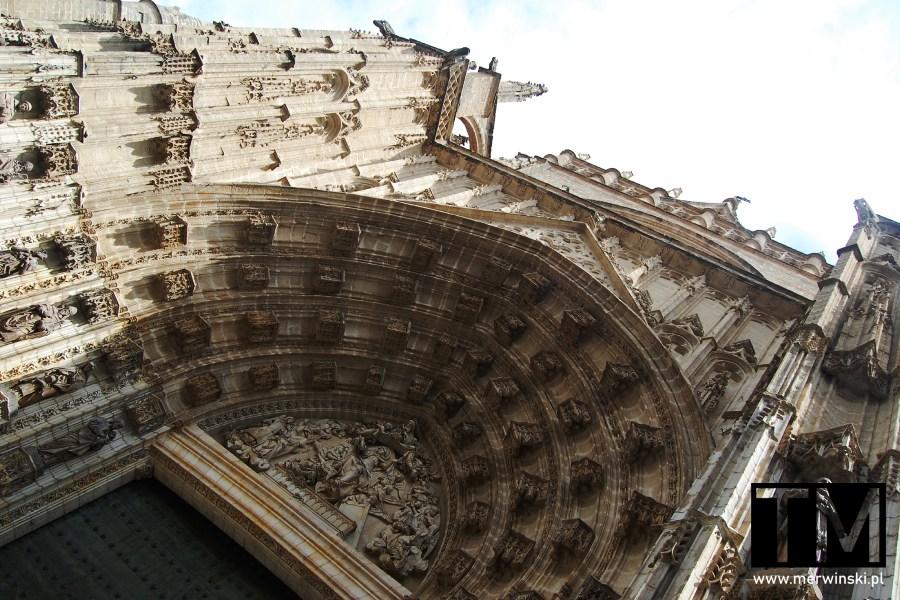 Zdobienia na katedrze w Sewilli