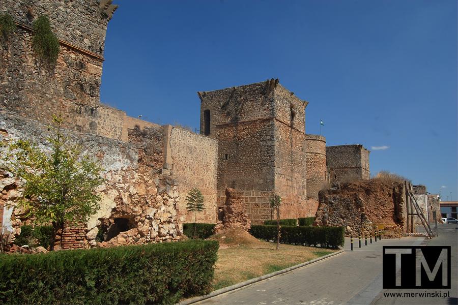 Mury miejskie w Niebli