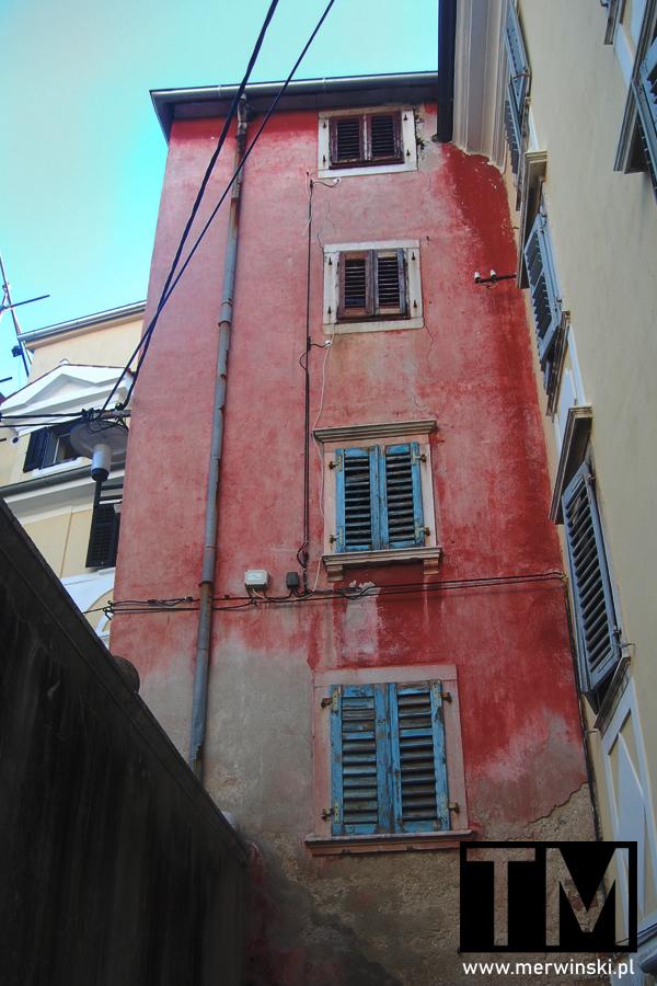 Stare budynki w Piranie