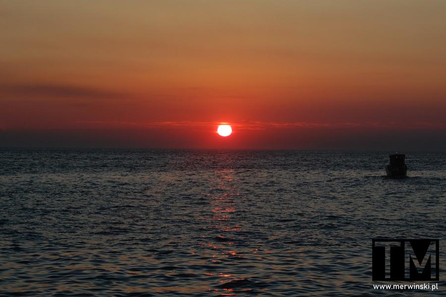 Zachód słońca w Piranie