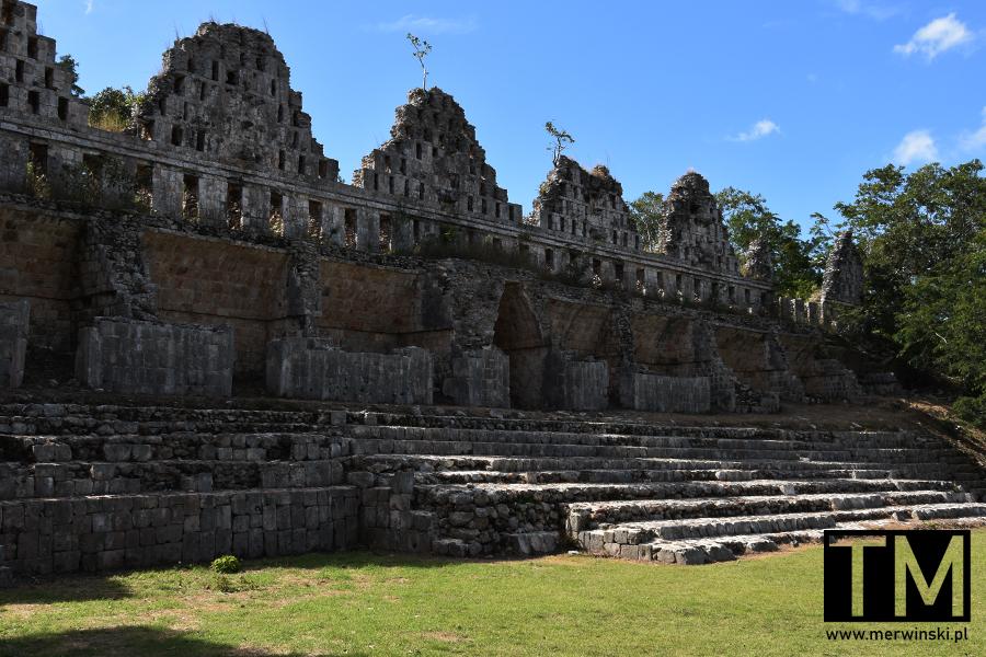 Dom Gołębi w Uxmal na Jukatanie