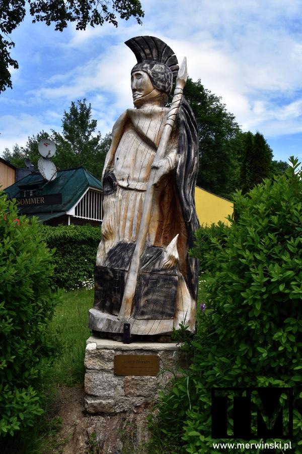 Drewniana statuetka św. Floriana w Harrachovie
