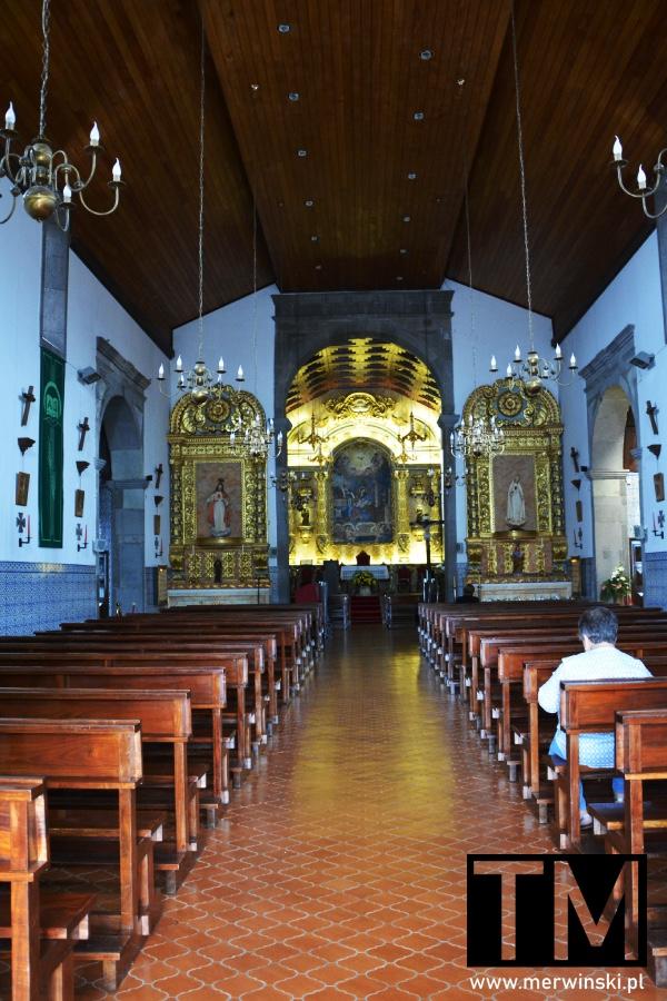 Wnętrze kościoła w Santanie na Maderze