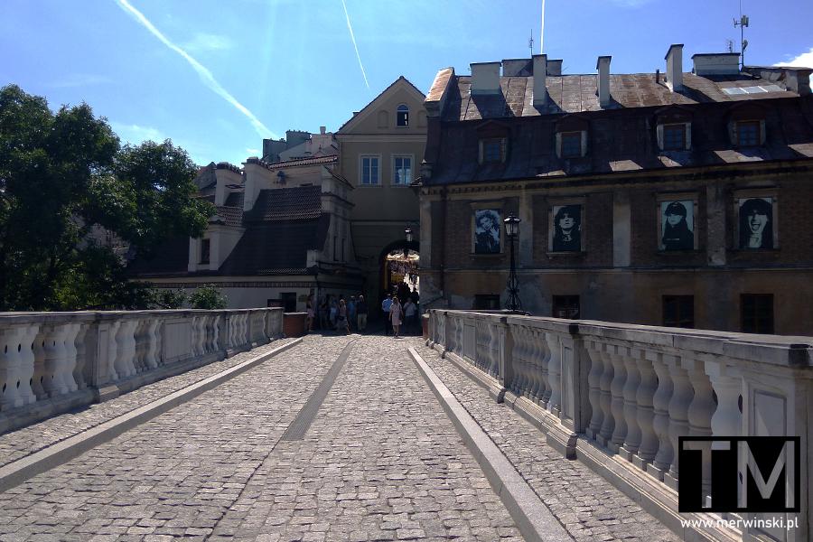 Widok na Bramę Grodzką z mostu prowadzącego do zamku w Lublinie