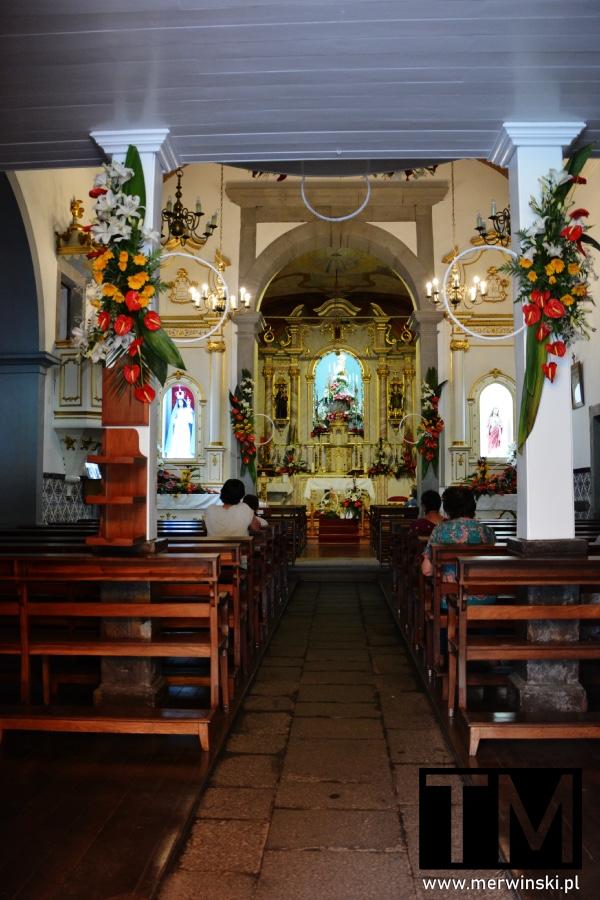 Wnętrze kościoła w Dolinie Zakonnic