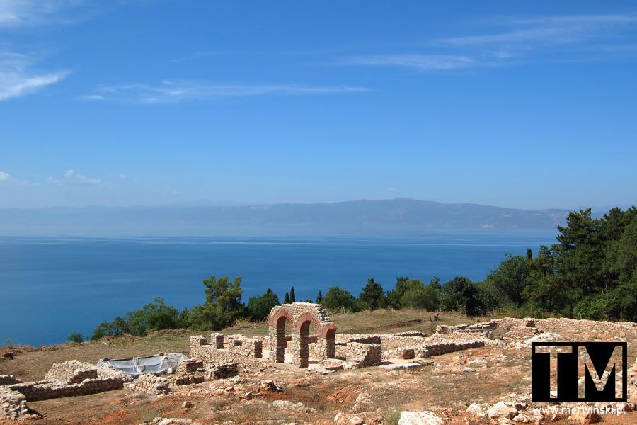 Fragmenty ruin na wzgórzu Plaoshnik w Ochrydzie