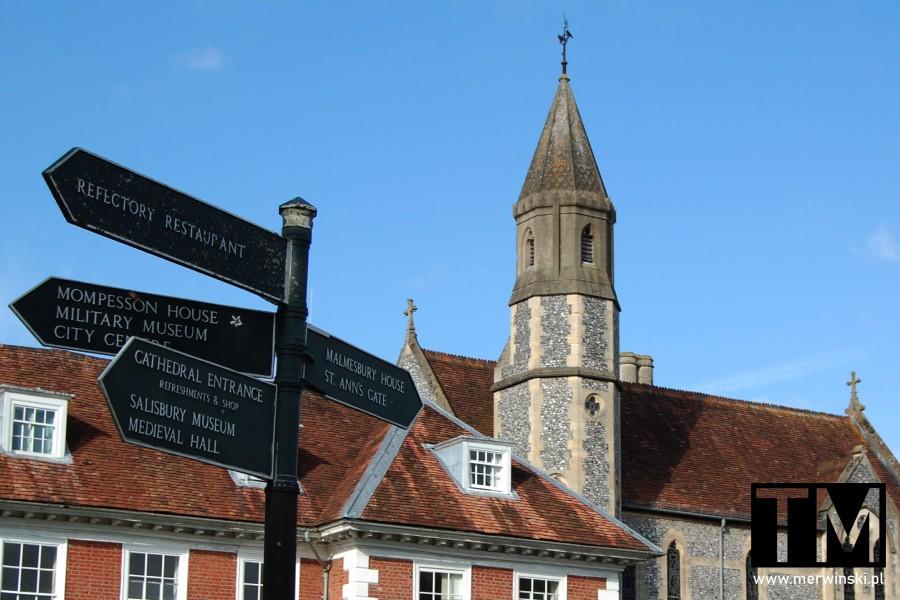 Drogowskazy w angielskim Salisbury