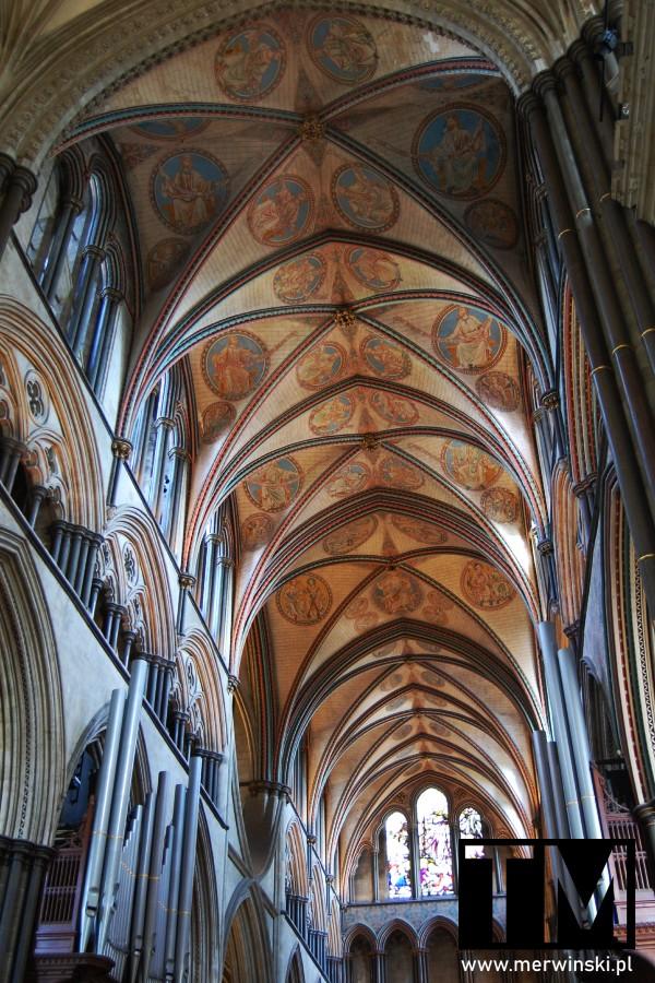 Sklepienie nawy głównej katedry w Salisbury