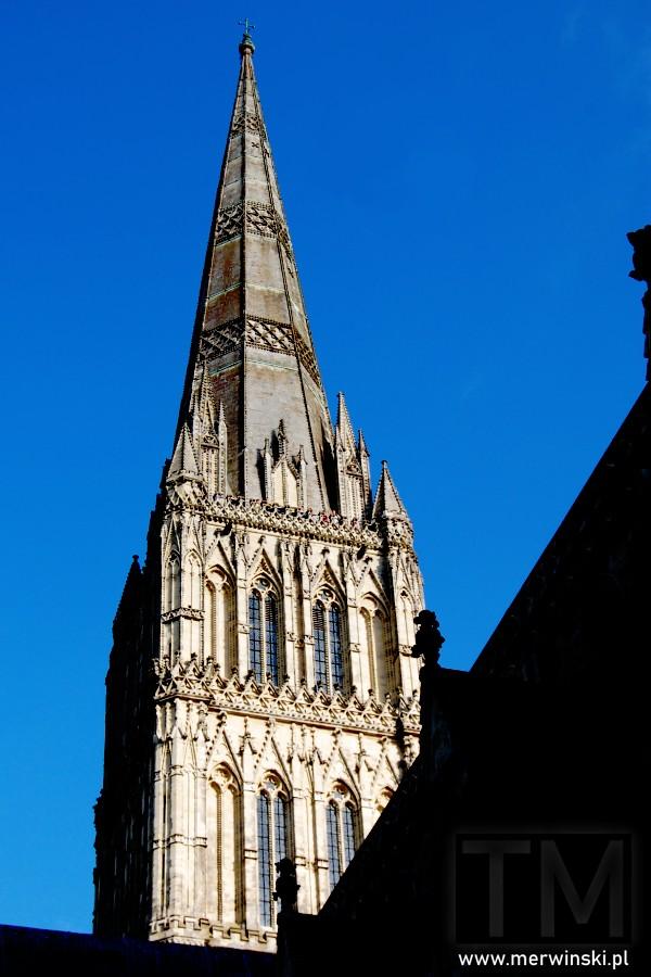 Szczyt wieży katedry w Salisbury