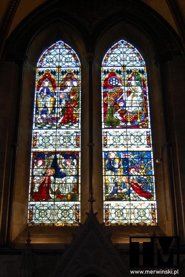 Witraże w katedrze w Salisbury