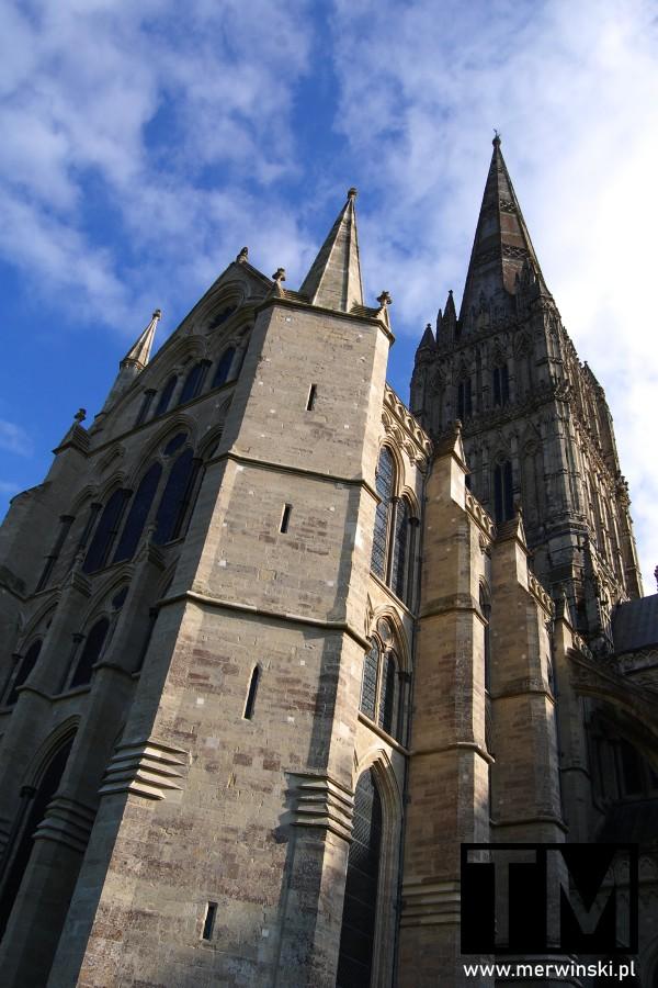 Mury katedry Salisbury