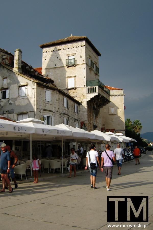 Nadmorski deptak w Trogirze