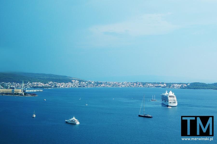 Trogir z widokiem na morze