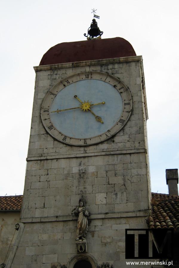 Wieża zegarowa w Trogirze w Chorwacji