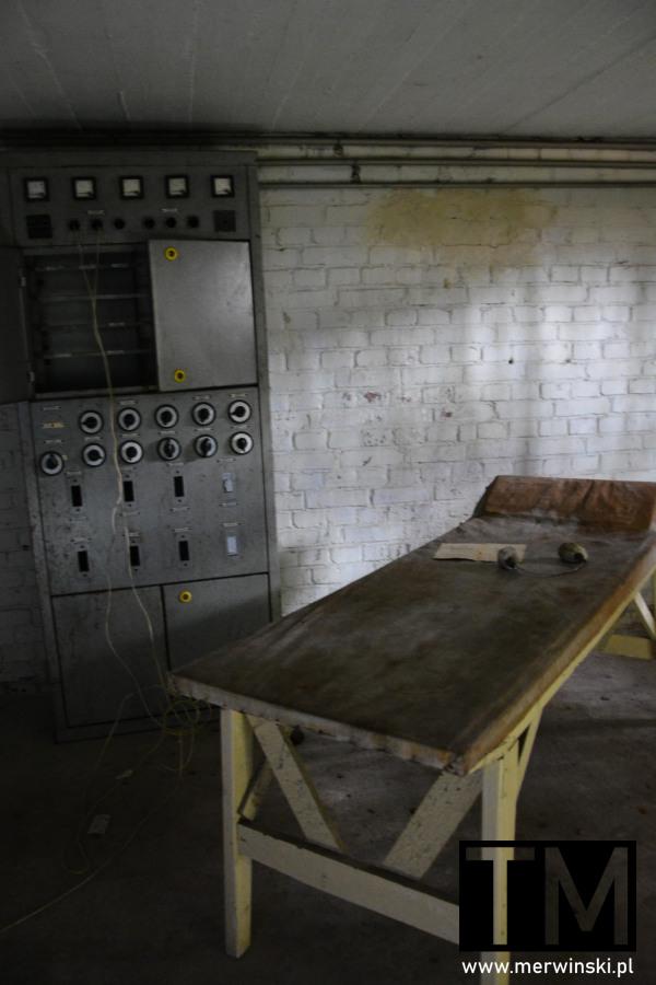 Urządzenie do elektrowstrząsów w opuszczonym szpitalu w Legnicy