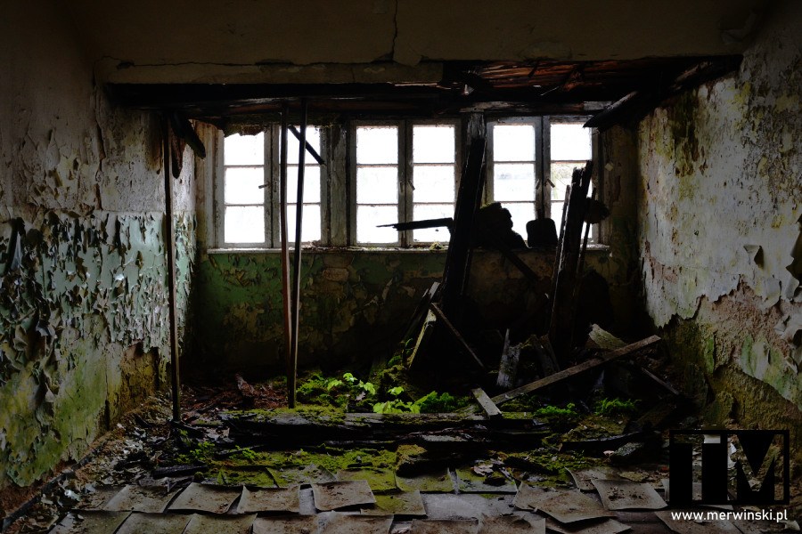 Urbex w Legnicy - zdewastowane pomieszczenie szpitala