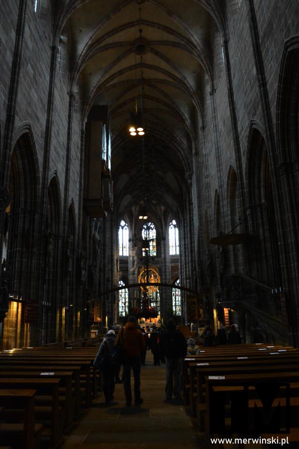 Wnętrze kościoła św. Wawrzyńca