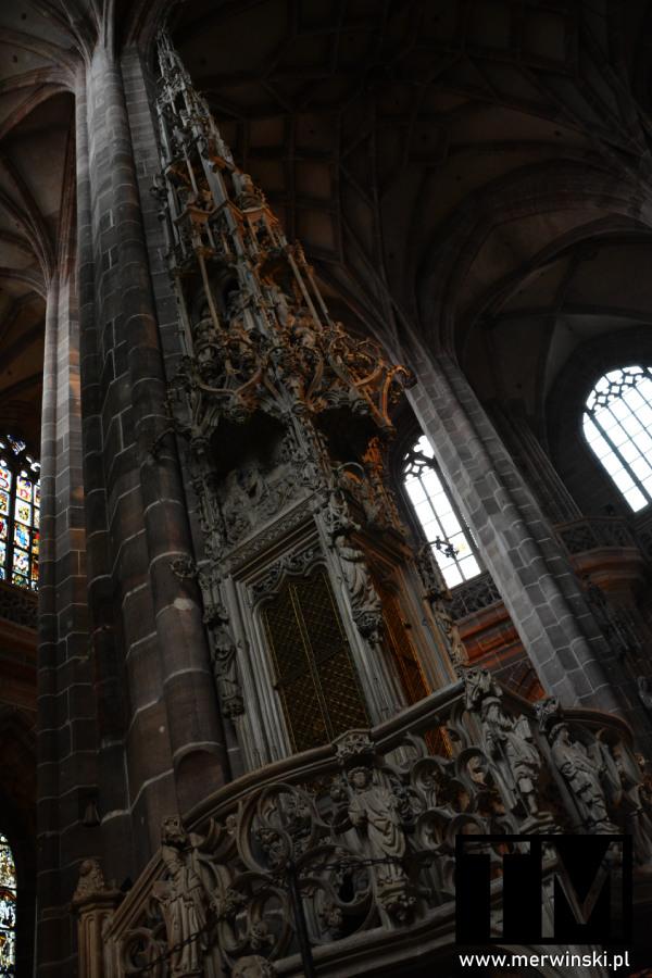 Sakramentarium wewnątrz kościoła św. Wawrzyńca