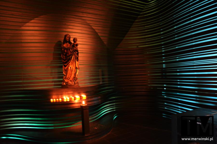 Nowoczesne wnętrze w kościele św. Klary