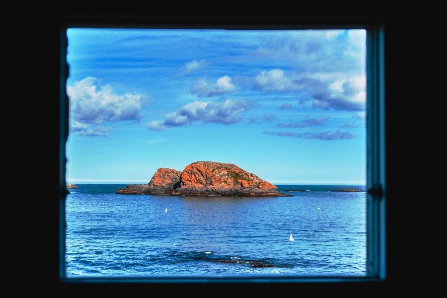 Widok z okna na wyspę