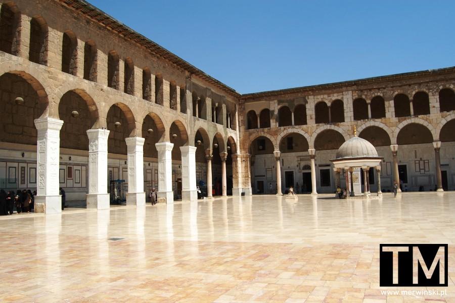 Kopuła Zegara na dziedzińcu Meczetu Umajjadów