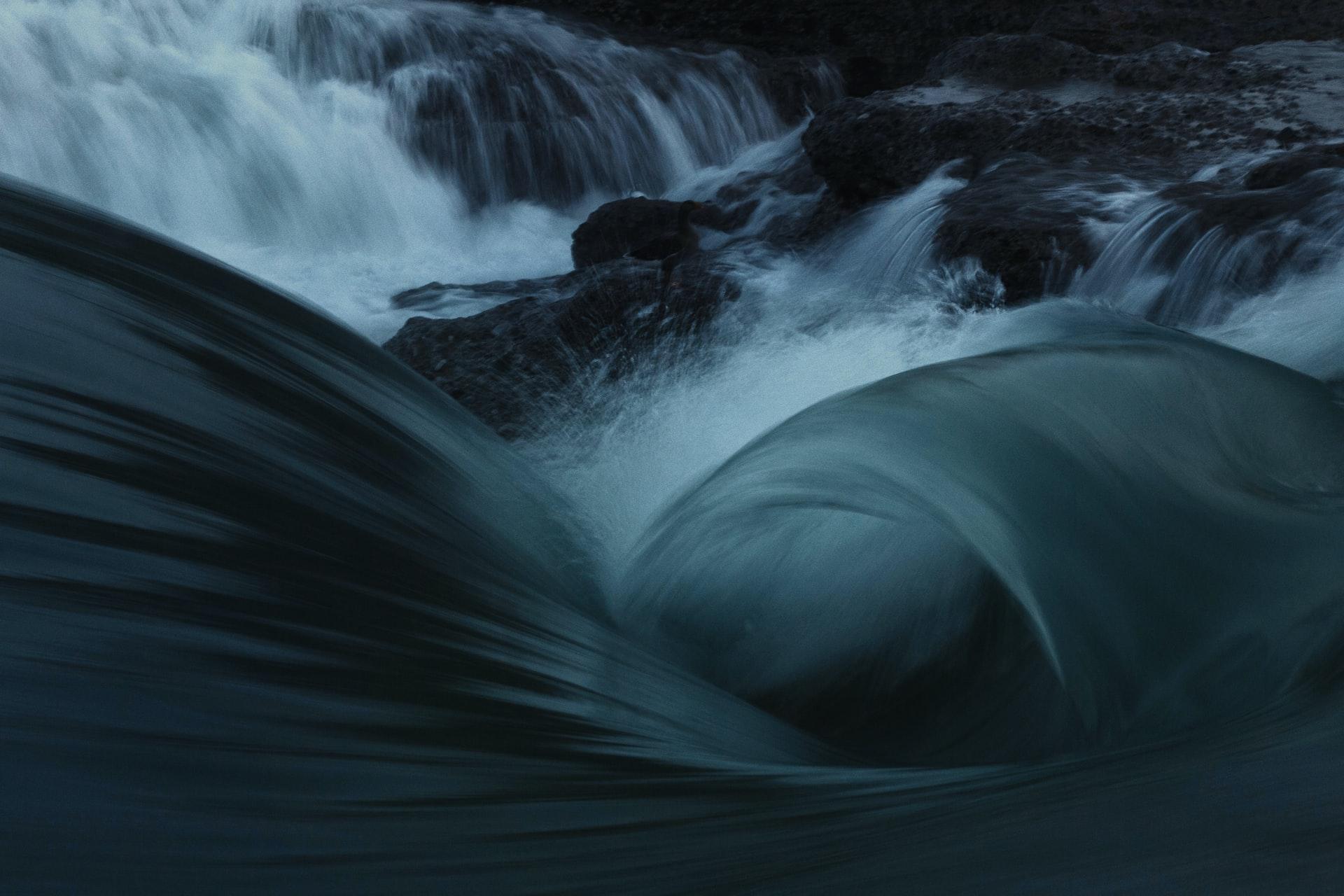 Rwący nurt rzeki Sielanki