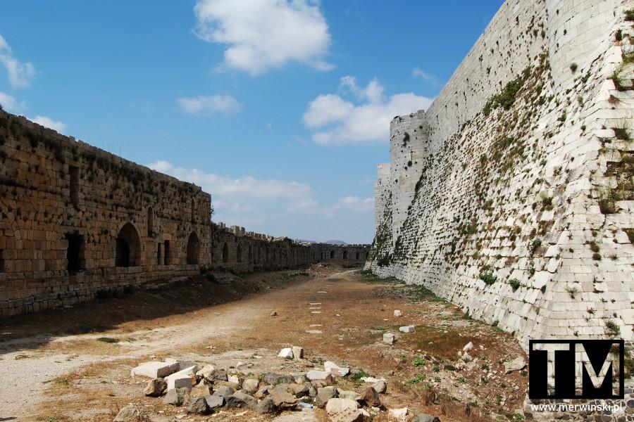 Zamek koncentryczny Krak des Chevaliers