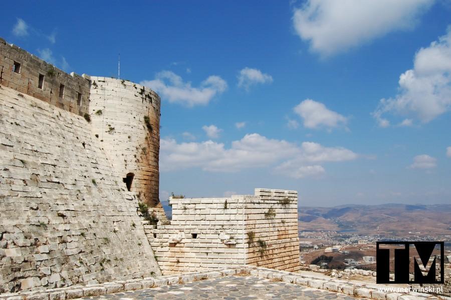 Mury zamkowe w Krak des Chevaliers w Syrii