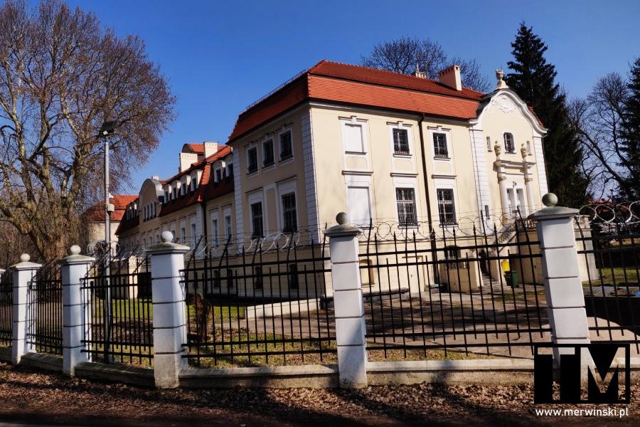 Pałac w Sadowicach