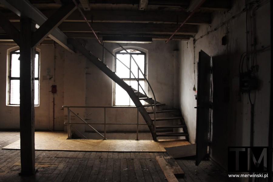 Pomieszczenie młynowe ze schodami we Wrocławiu