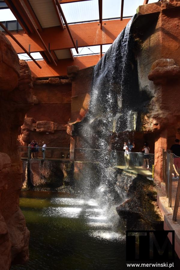 Wodospad w Afrykarium we Wrocławiu
