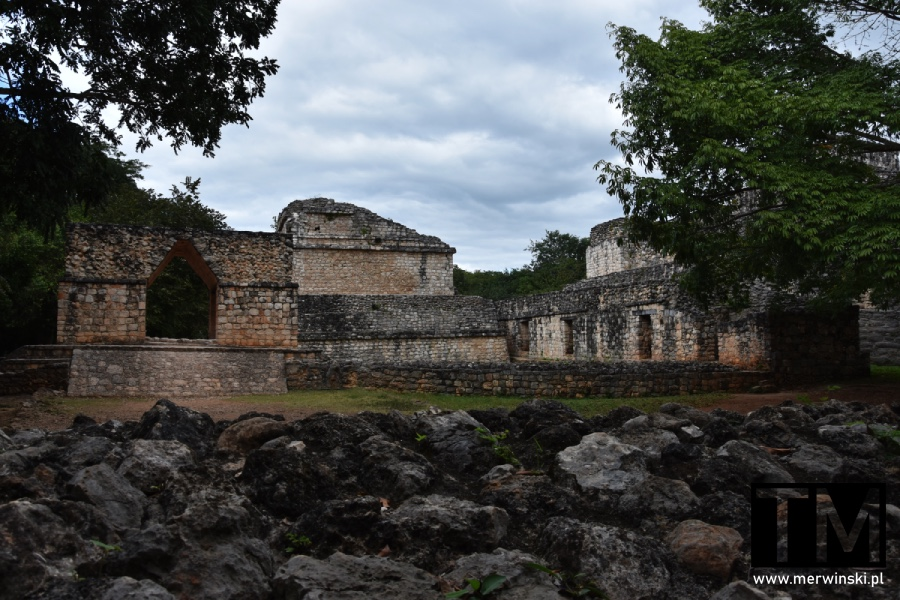 Łuk w strefie archeologicznej Ek Balam na Jukatanie