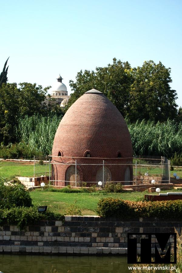Ceglana kopuła nad Orontesem w Hamie