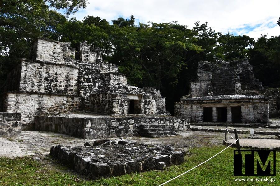 Grupa zabytków w Muyil