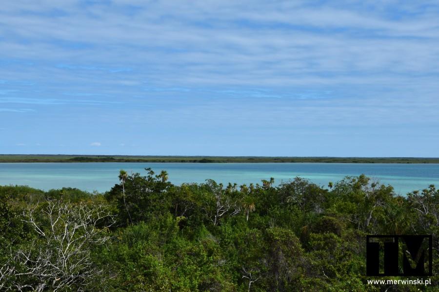 Dżungla i błękitne wody laguny Sian Ka'an