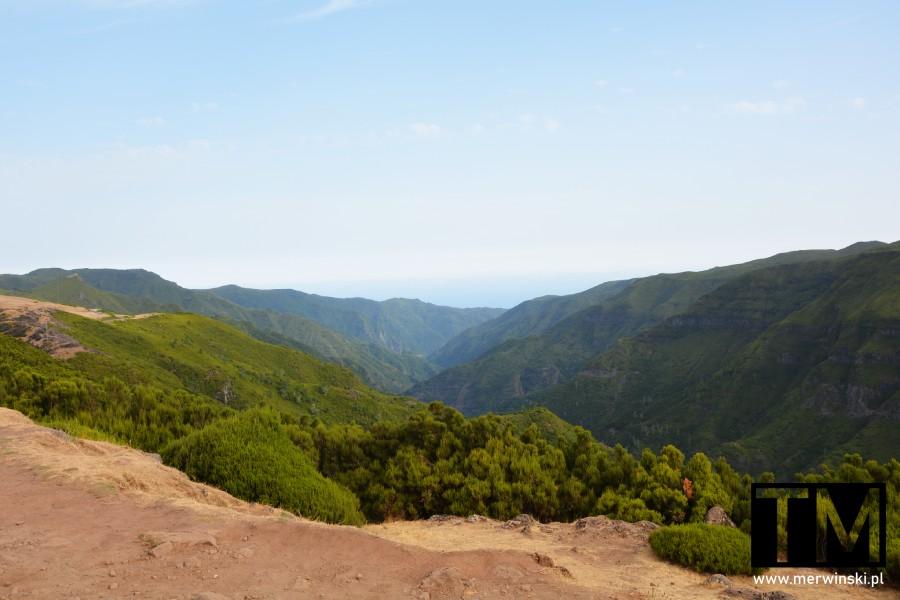 Madera - widok na góry niedaleko lewad