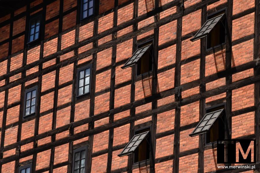 Okna bydgoskich Młynów Rothera