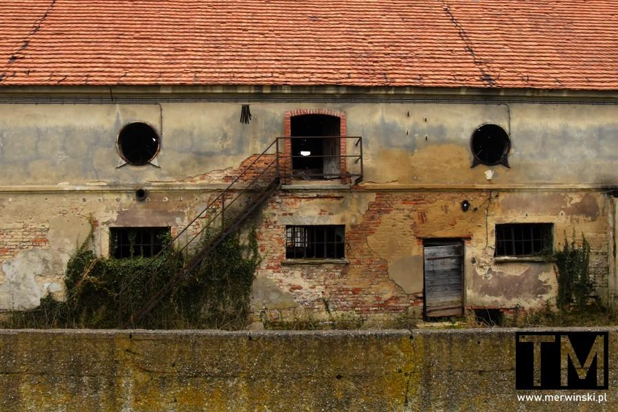 Opuszczony budynek w Czerńczycach