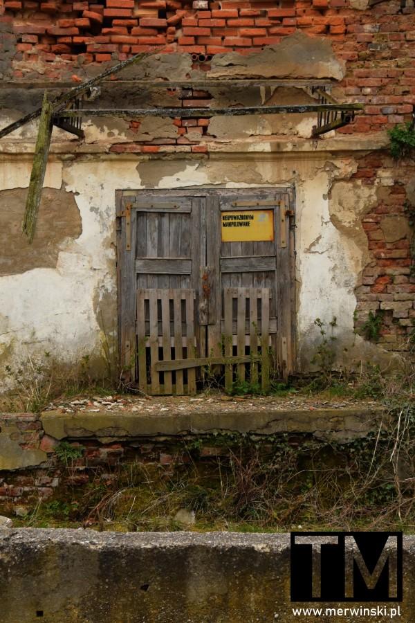 Opuszczony budynek w Dolinie Bystrzycy