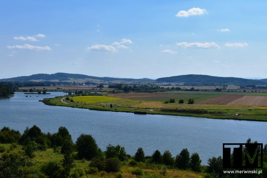 Zbiornik małej retencji w Mściwojowie na Dolnym Śląsku