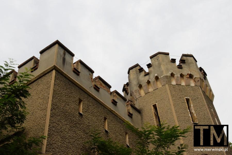 Blanki na szczycie pałacu Sybilli