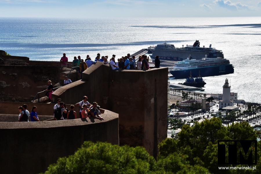 Mury obronne Alcazaby i port w Maladze