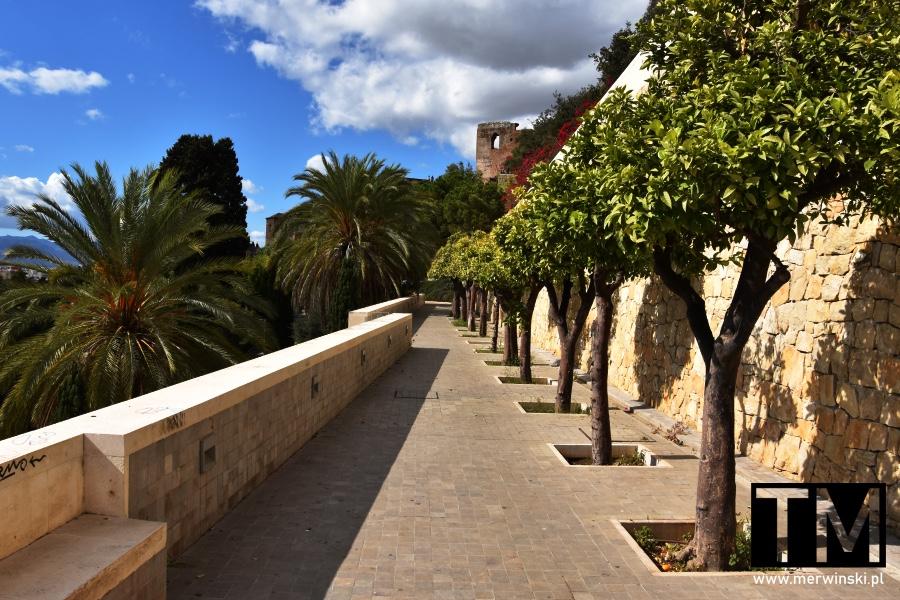 Droga na zamek Alcazaba w Maladze